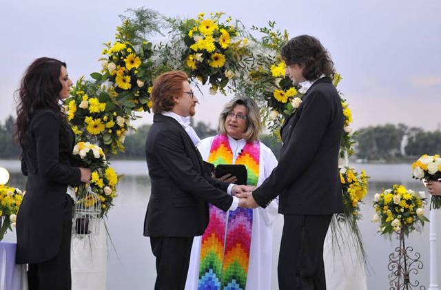 patru-nunti-si-o-provocare-gay-3
